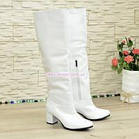 Кожаные   ботфорты трубы на невысоком устойчивом каблуке, цвет белый. 39 размер