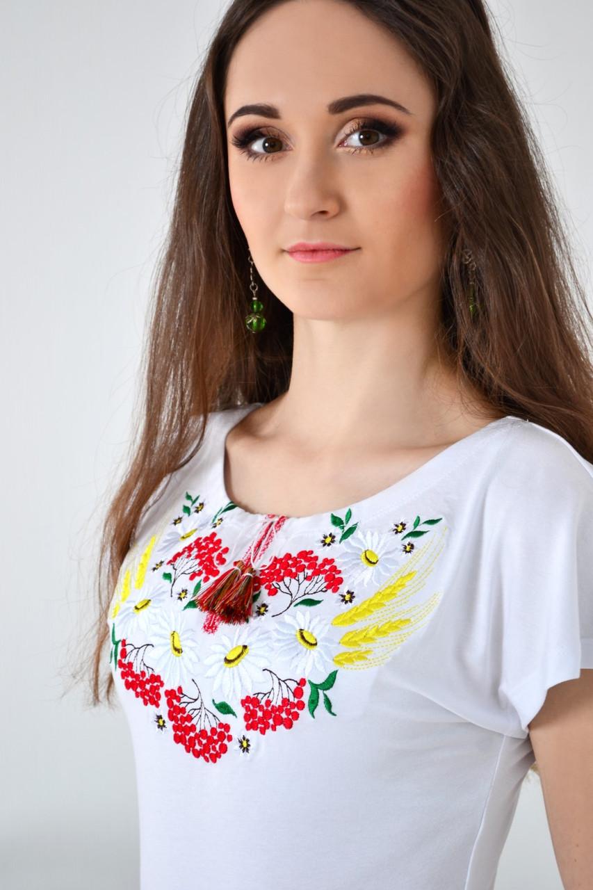 Праздничная женская футболка вышиванка в украинском стиле вышитые ромашки и колос