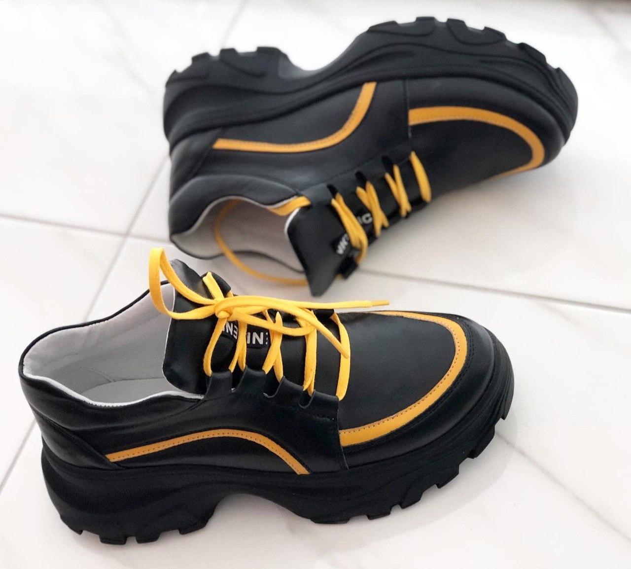 Кожаные женские кроссовки очень стильные и удобные Alexander 1008ч/к размеры 37,38,39