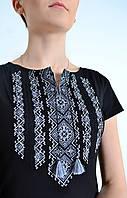 Красивая футболка вышиванка в украинском стиле с этническим орнаментом