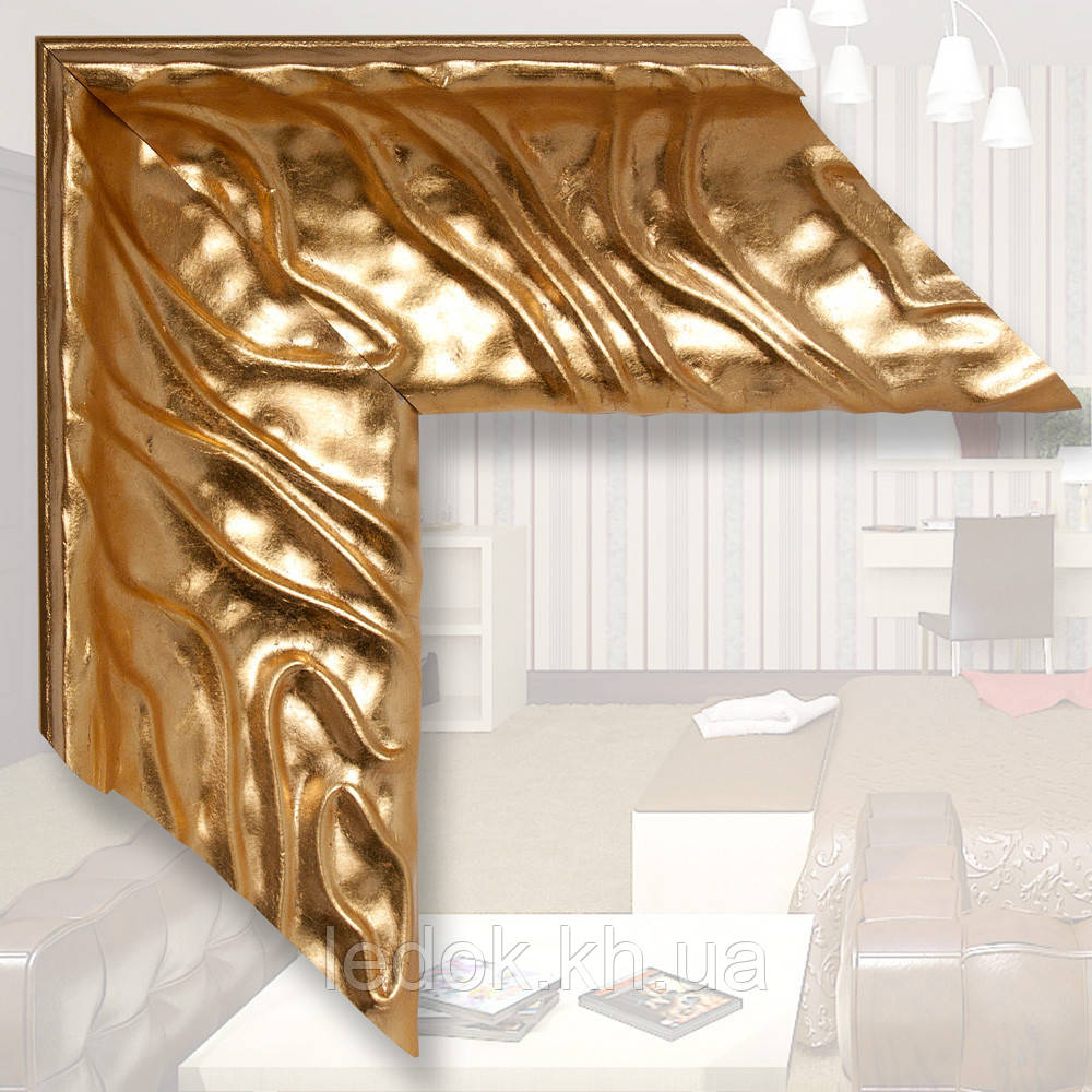 Зеркало в деревянном, золотом багете 101мм 1200х600