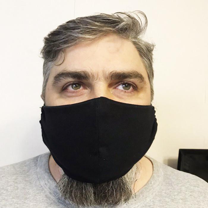 Защитная мужская маска черного цвета 23*14 см