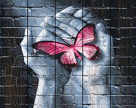 Картина по номерам по дереву Бабочка в руках