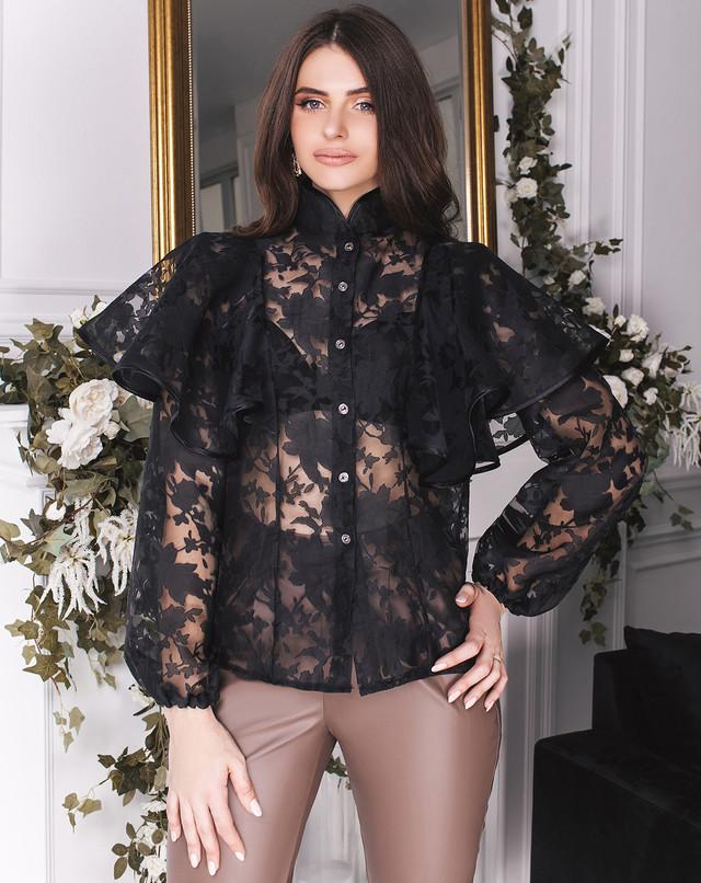 Нарядная блузка с воланом