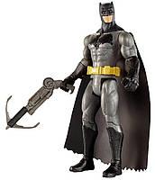 Коллекционная фигурка Бэтмен: На заре справедливости, с бластером, 15см - Batman Grapnel Blast, DC Comics