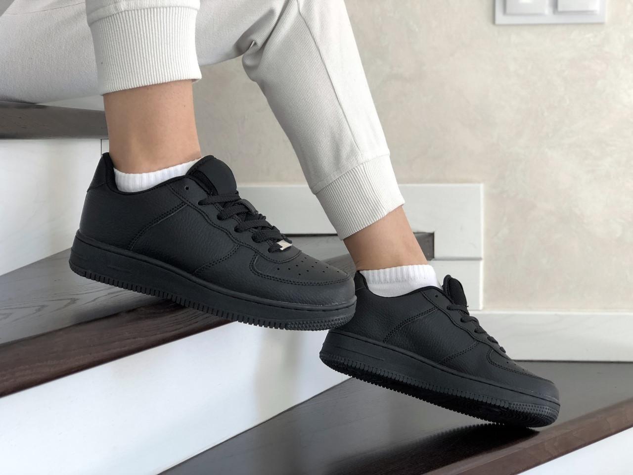 Женские кожаные кроссовки Force (черные) 9178