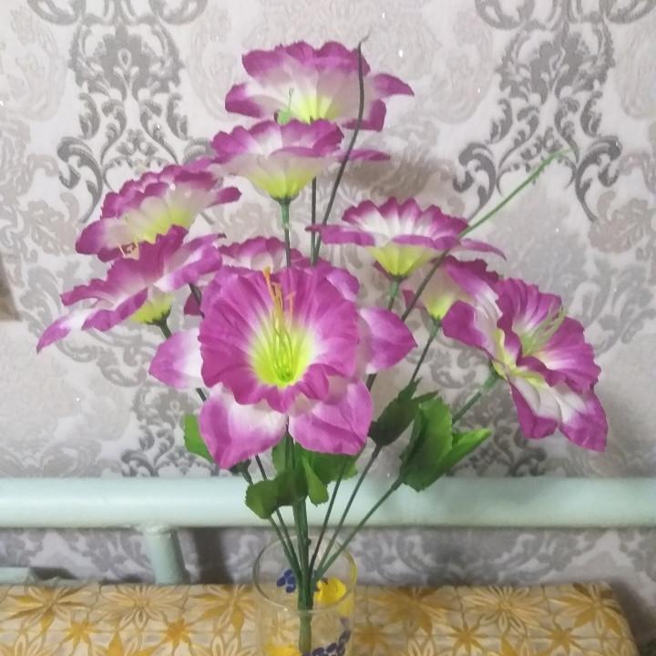 Искусственные цветы нарцис