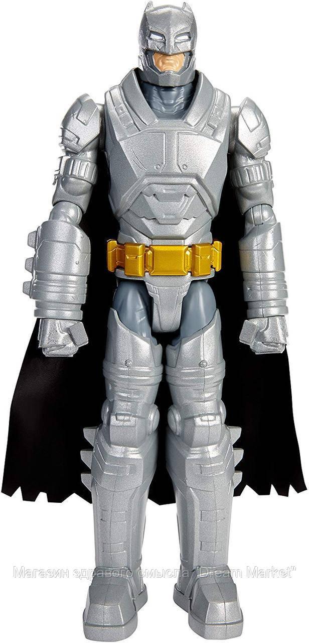 Коллекционная фигурка Бэтмен в брони из металлов со съемным плащом, высота 30 см - Batman vs Superman, Mattel