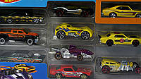 Игрушка Детская Для Мальчиков Подарочный Набор Машинок разнообразные 10 штук 7 см Хот Вилс Hot Wheels Mattel