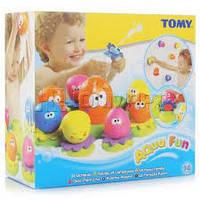 Детская Развивающая Игрушка Для Ванны Семейка осьминогов 9 штук на присосках с брызгалкой разноцветные Tomy