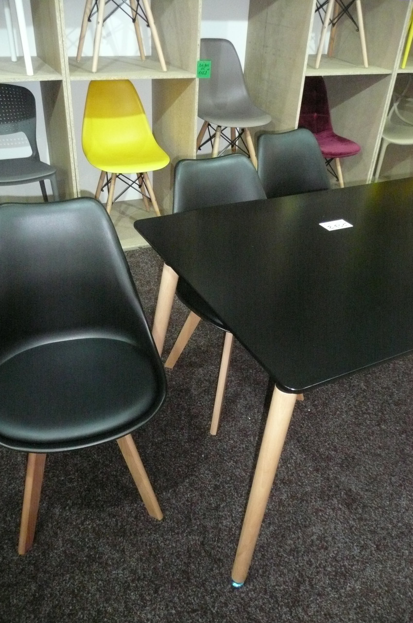 Стул пластик Milan (Милан) черный, мягкое сиденье