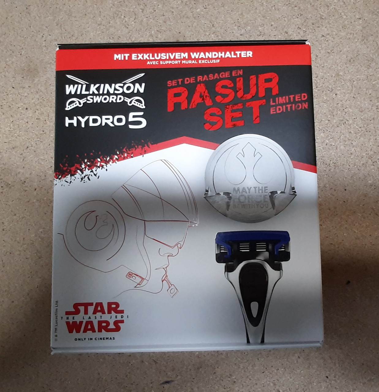 Набор для бритья  Wilkinson Sсhick Hydro 5 ( Шик Вилкинсон станок + 2 картриджа + подставка )