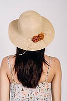 Очень красивая летняя шляпа бежевого цвета