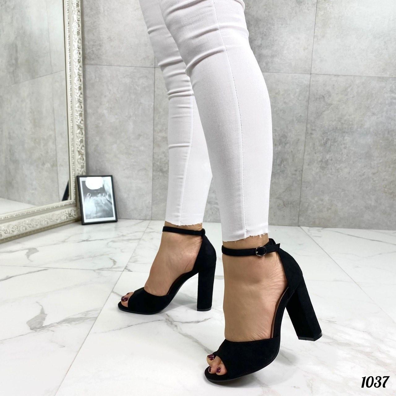 Босоножки Mi lady c закрытой пяточкой на каблуке черные