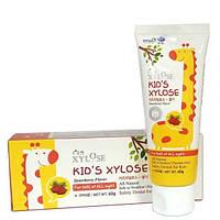 Детская зубная паста с экстрактом клубники Xylose Kids, Hanil 60g