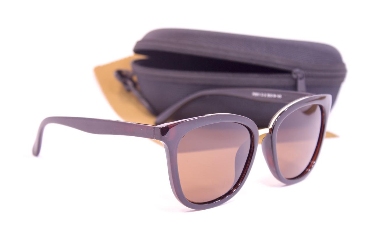 Солнцезащитные очки с футляром F0911-2
