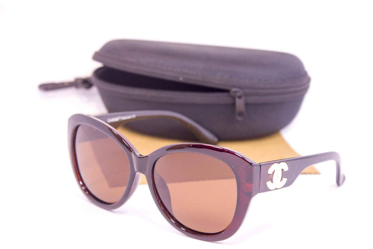 Солнцезащитные очки с футляром F0920-2