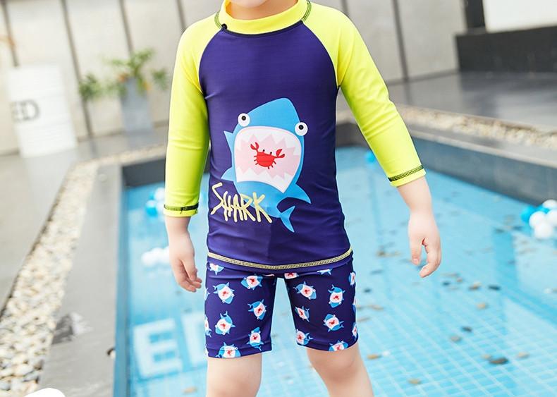 Солнцезащитный купальный костюм для мальчика Акула