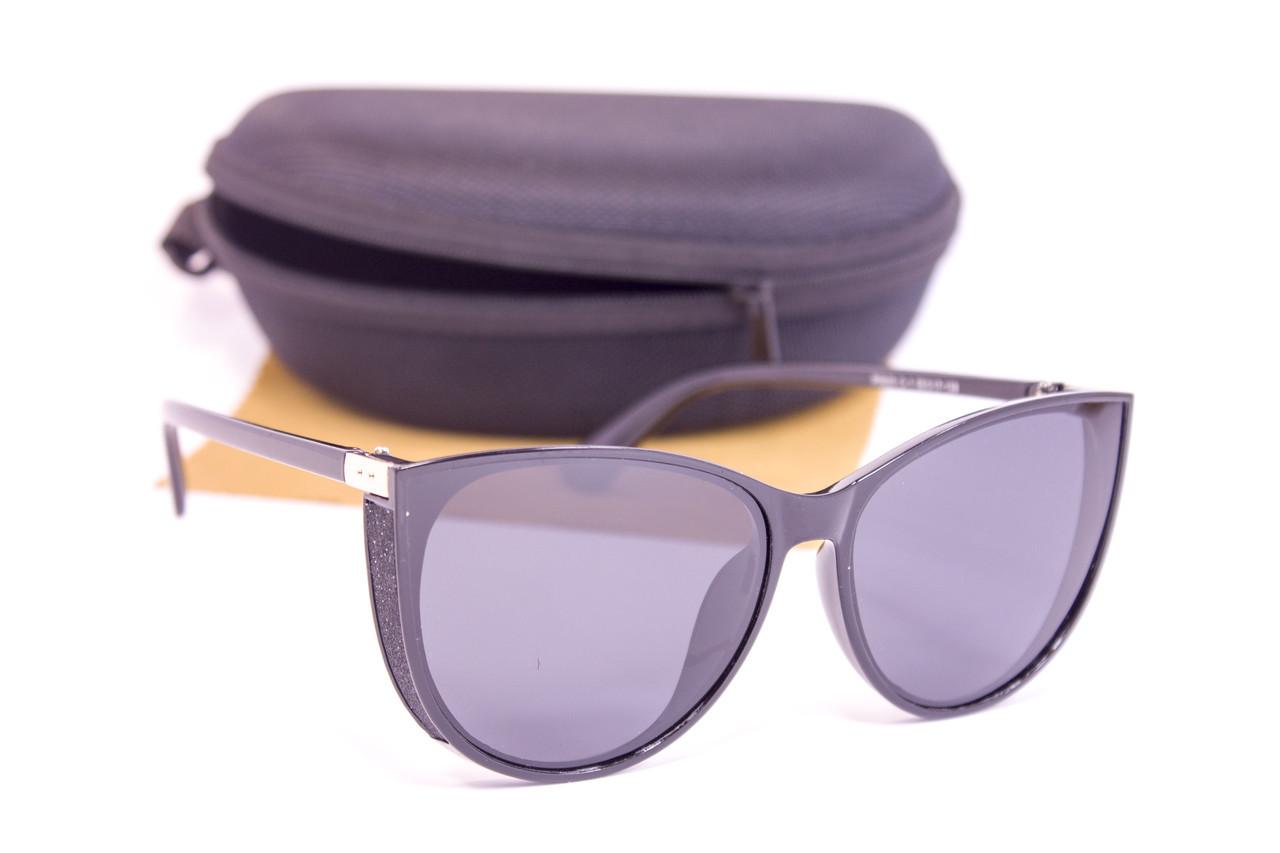 Солнцезащитные очки с футляром F0925-1