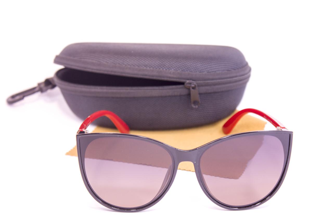 Солнцезащитные очки с футляром F0925-4