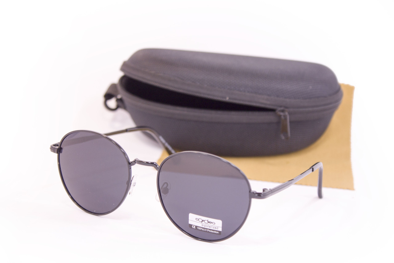 Солнцезащитные очки с футляром F0936-1