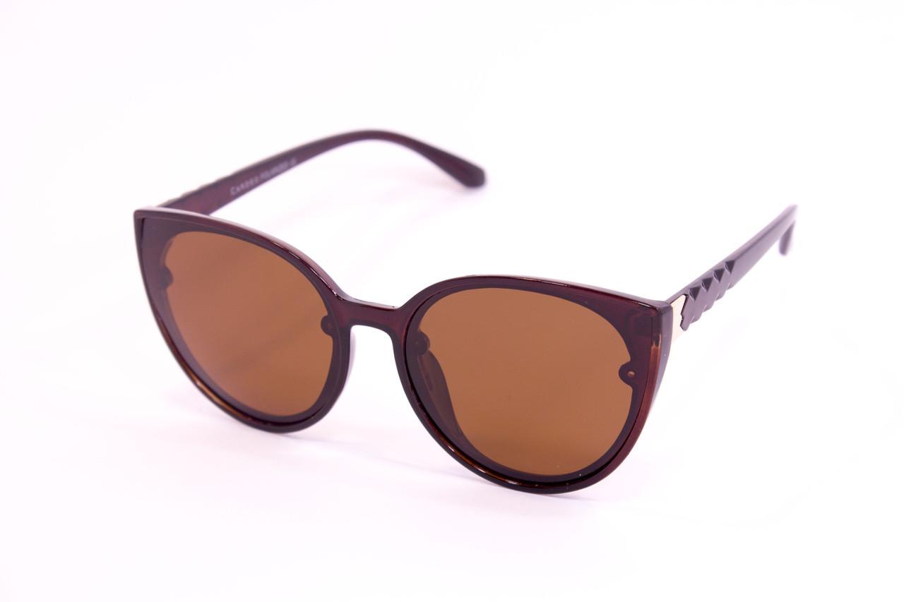 Солнцезащитные очки с футляром F0946-2