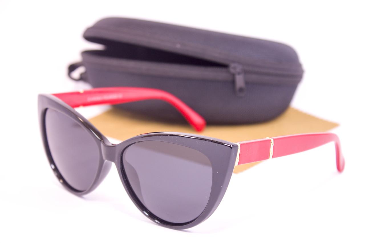 Солнцезащитные очки с футляром F0954-3