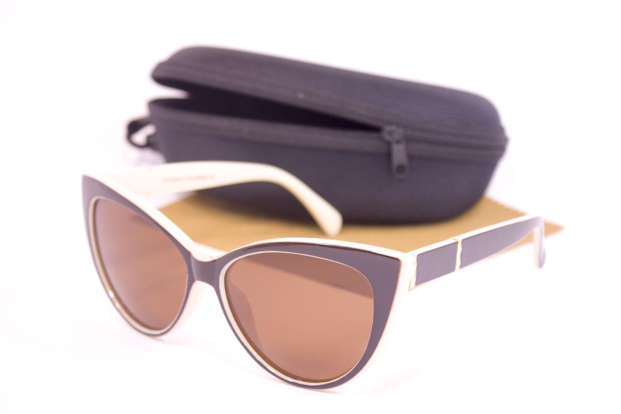 Солнцезащитные очки с футляром F0954-4