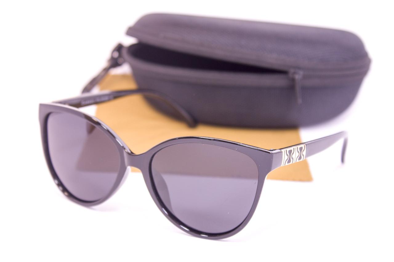 Солнцезащитные очки с футляром F0956-1