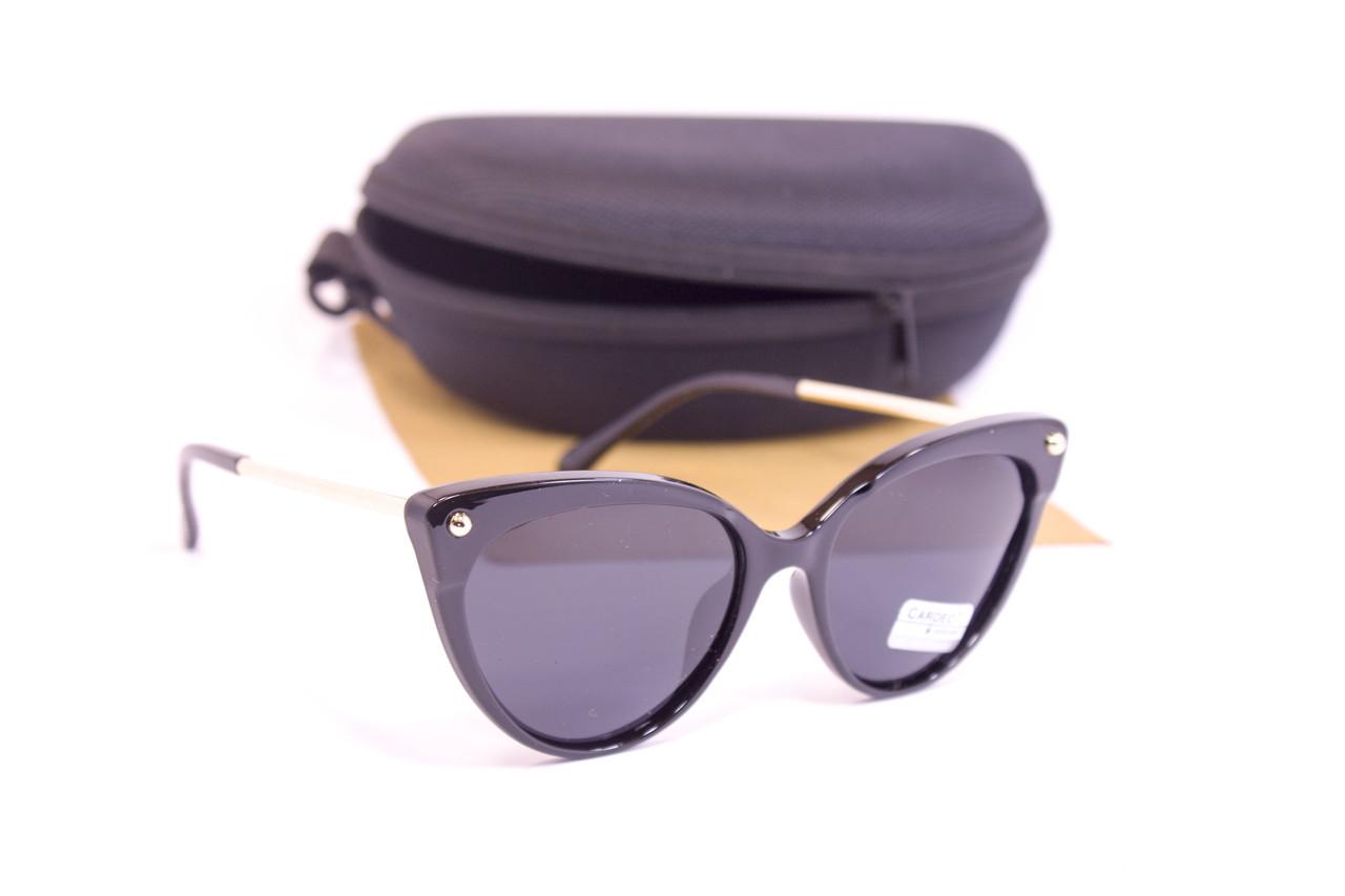 Солнцезащитные очки с футляром F0958-1