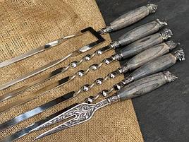 """Шампура подарункові з дерев'яними ручками """"Мисливські"""" + подвійний шампур + виделка, в шкіряному сагайдаку"""