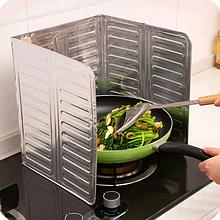 Захисна складна панель з фольги для плити (від жиру) 325×840 мм