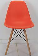 Стілець пластиковий на букових ніжках Nik N Onder Mebli, помаранчевий 70