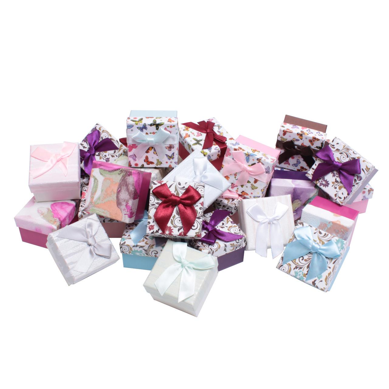 Бумажные коробочки Boxshop 50*50*35 мм, со съемной крышкой, с бантиком, разные цвета