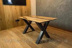 Стол со столешницей из массива дерева дуба с эпоксидной смолой и металлическими ножками