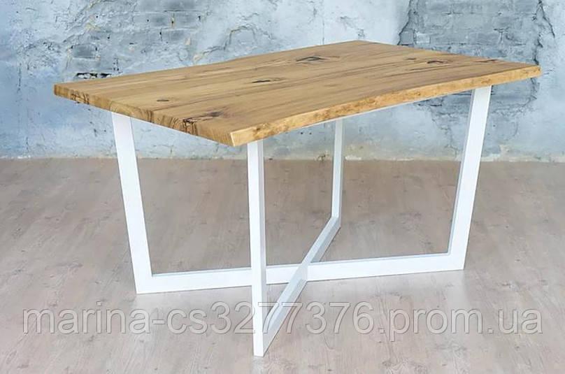 Стол со столешницей из массива дерева акации, с живым краем и белыми металлическими ножками