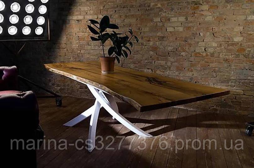Стол со столешницей из массива дерева каштан, с живым краем и белыми металлическими ножками