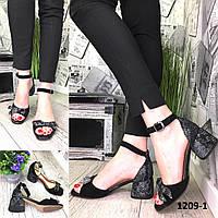 Босоножки женские замшевые черные с бантом на каблуке
