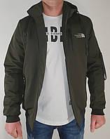 Мужская стильная весенняя  куртка на манжете цвет хаки.