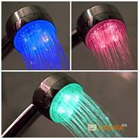 Насадка на душ с LED подсветкой UFT LED Shower (95270)