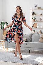Платье женское на запах пастельные цветы на черном с коротким рукавом цветочное, фото 3