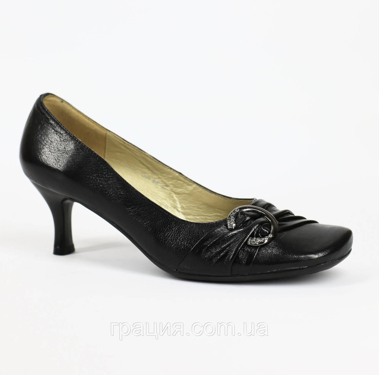 Туфли кожаные женские на не большем каблуке