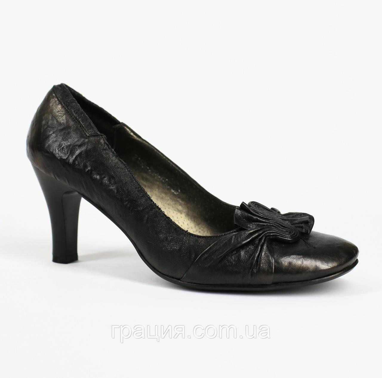 Туфли женские кожаные на не большем каблуке
