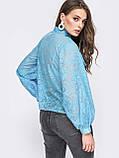 Блузка свободного кроя с воротником аскот и длинным широким  рукавом  на манжете, фото 6