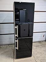 Холодильник Liebherr из Германии, черное стекло
