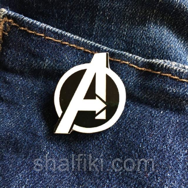 """""""Мстители знак чёрный Avengers (Марвел)"""" брошь из полимерной глины"""