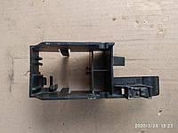 Кронштейн крепления проводов  VW Golf  Audi a3 1K0937562B