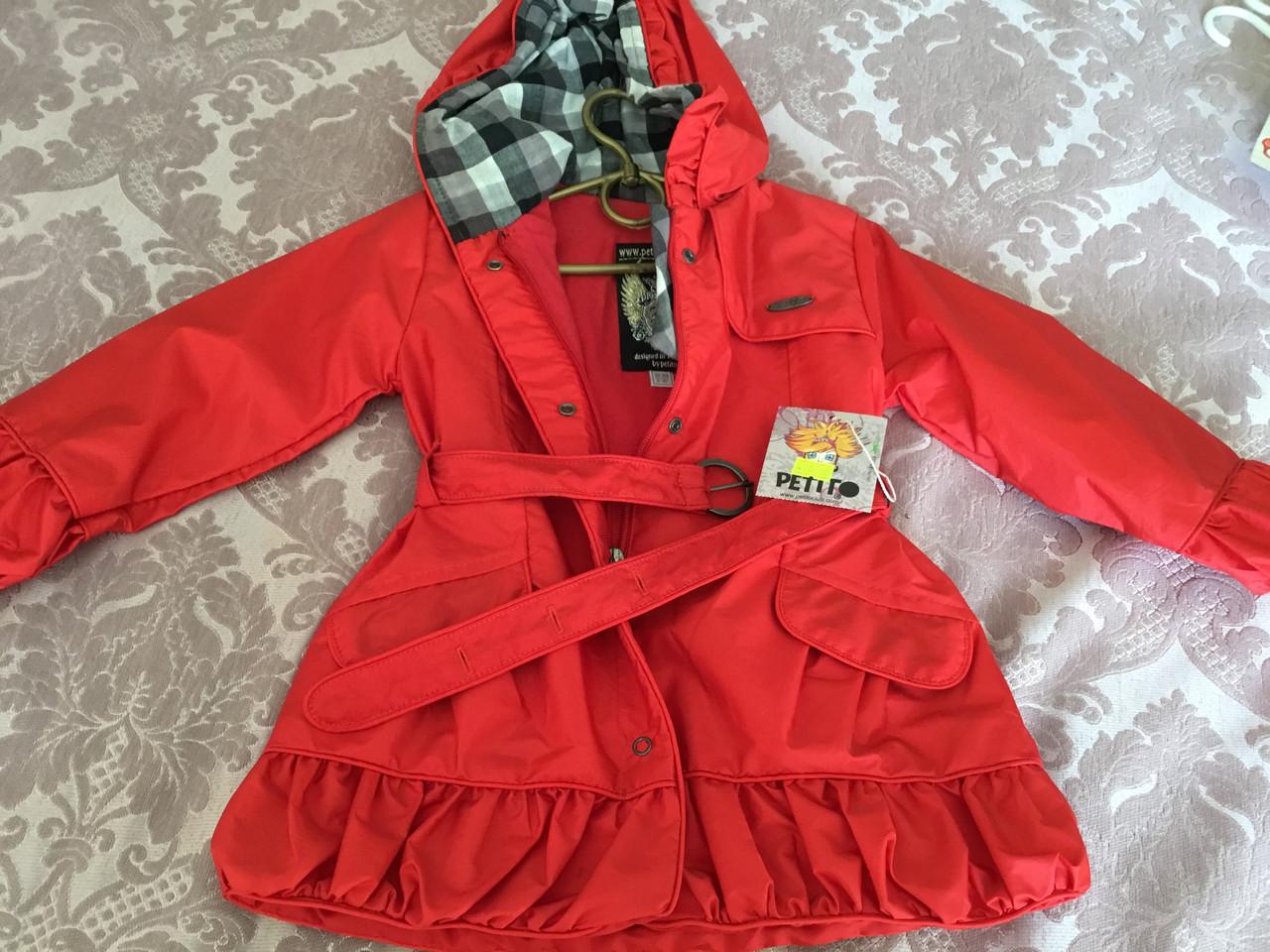 Красное пальто для девочки с капюшоном
