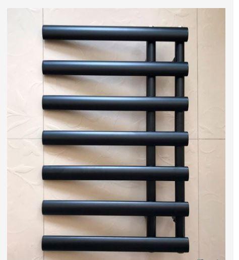Полотенцесушитель черный 78*50 1-53