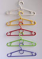 Вішалка для одягу велика різних кольорів. 42см, пластик Вешалка для одежды, плечики, тремпель